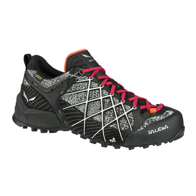 SALEWA - WILDFIRE GTX - Approach Shoes - Women's - black/white