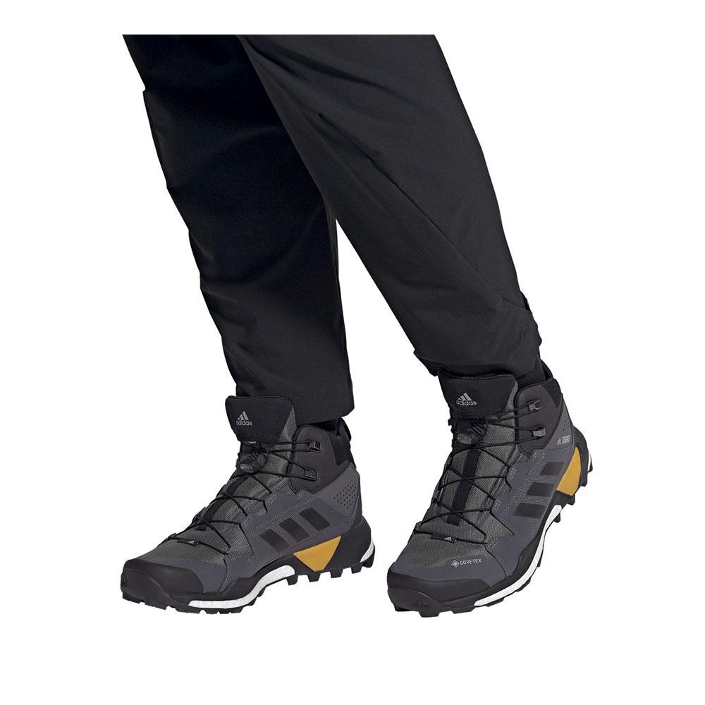 Objetor preposición templo  ADIDAS Adidas TERREX SKYCHASER XT MID GTX - Hiking Shoes - Men's -  grefiv/cblack/actgol - Private Sport Shop